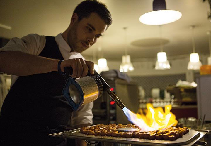 Vorspeise zubereiten und flammbieren